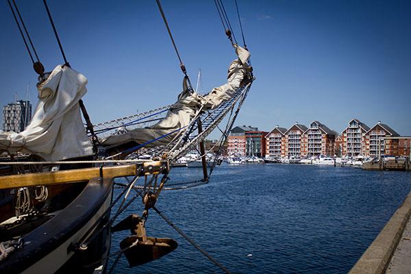 Ipswich-marina-boat-bow